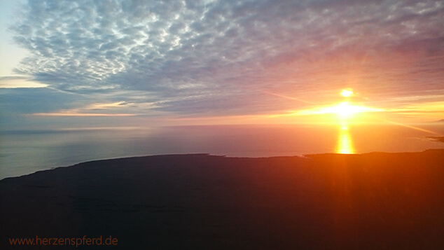 Reiturlaub Island Sonnenuntergang
