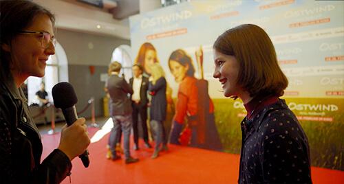 Schauspielerin Luna Paiano im Interview auf der Premiere von Ostwind - Aris Ankunft